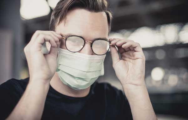 بخار کردن عینک با پوشیدن ماسک